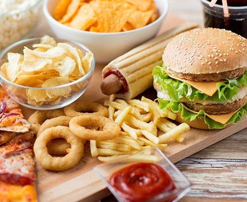 У Лондоні заборонили рекламу шкідливої їжі в громадському транспорті: борються з дитячим ожирінням
