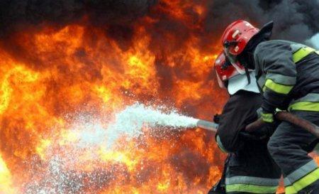 На Рахівщині вночі згорів магазин одягу